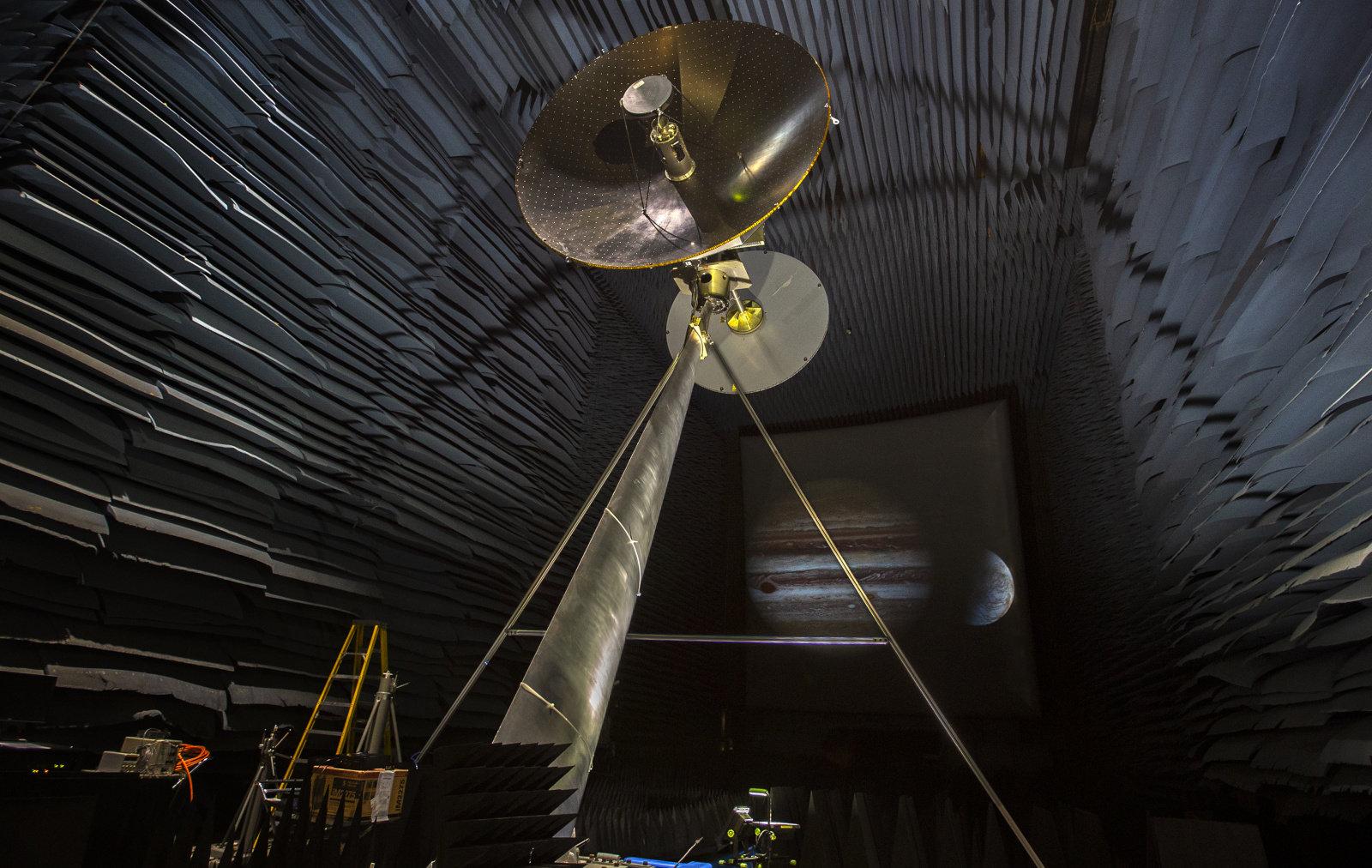 NASA đang thử nghiệm ăng ten phát sóng dữ liệu của sao Mộc